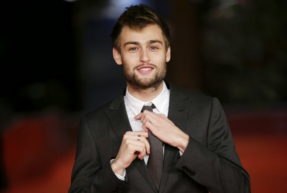 Taylor Swift rejected by Douglas Booth