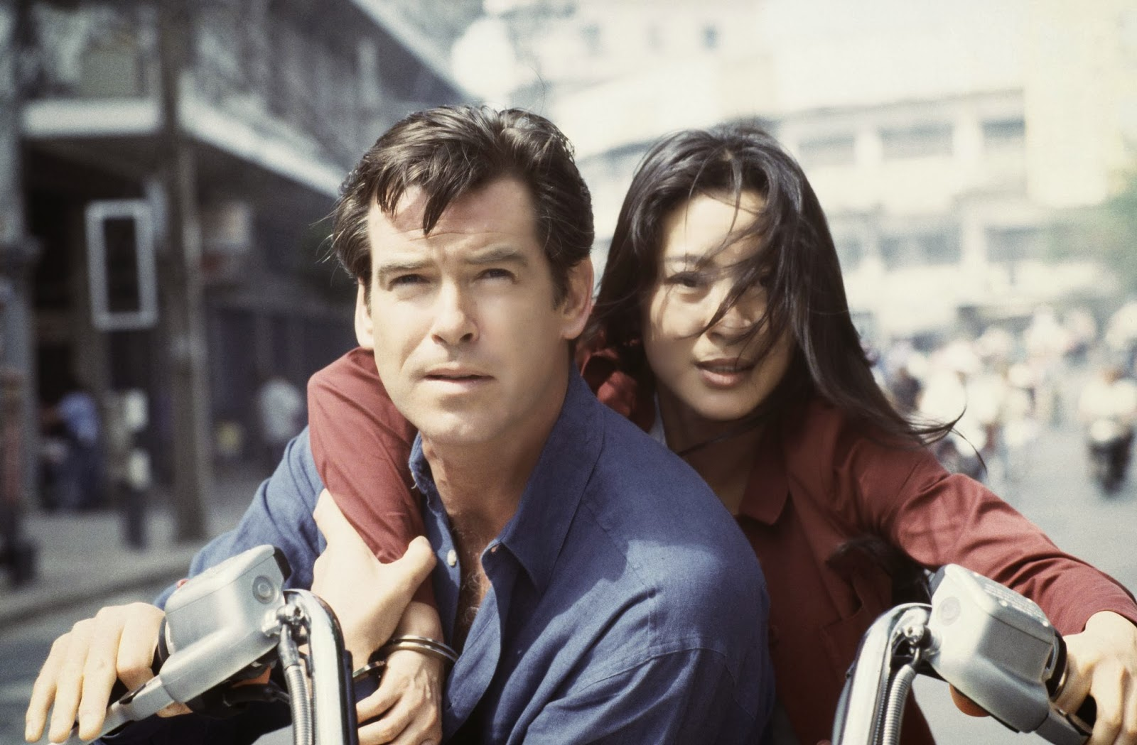 still of pierce brosnan and michelle yeoh in tomorrow never dies 1997 large picture