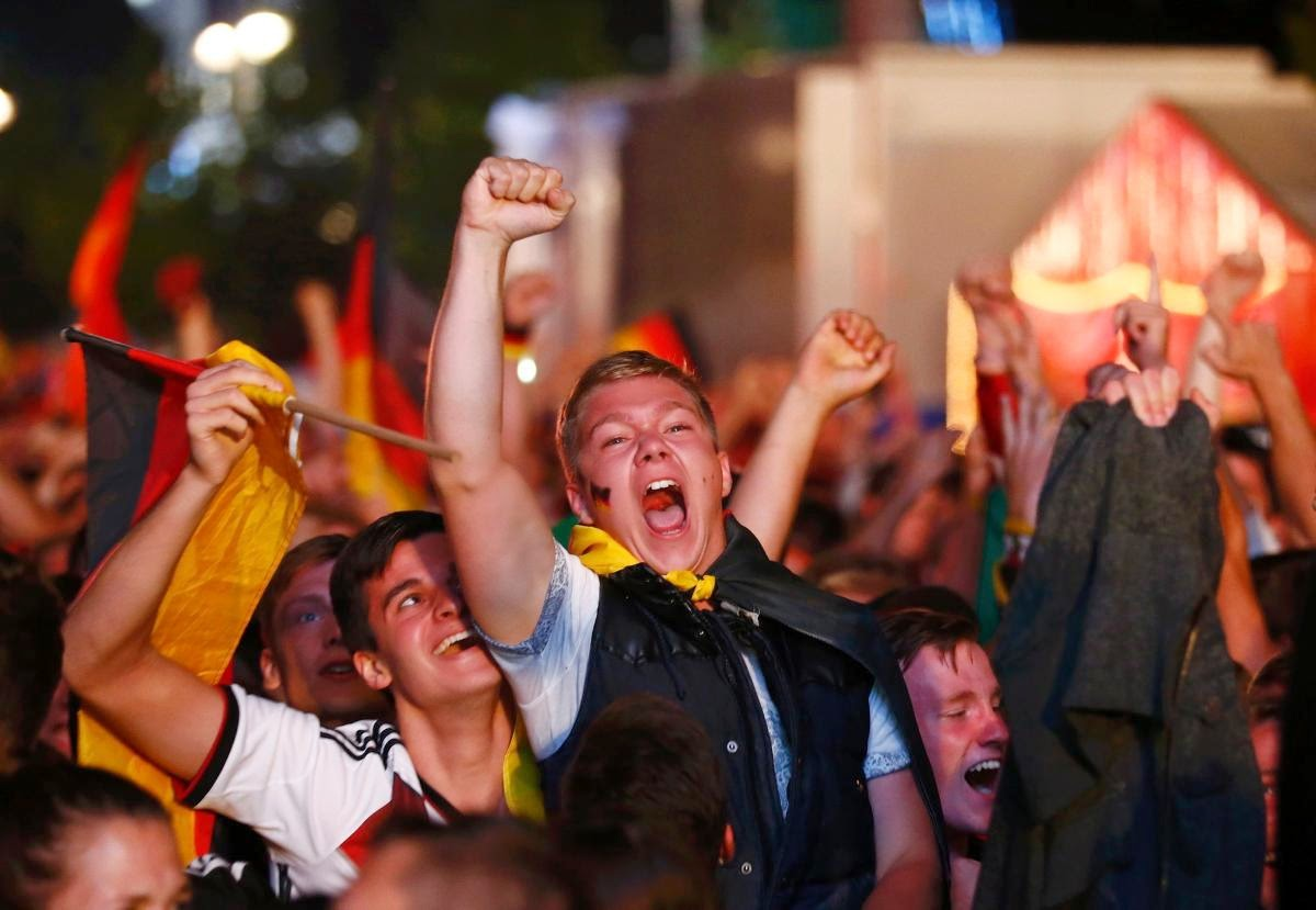 fans react world cup final argentina germany11