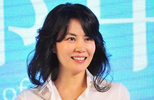 """Faye Wong sings """"Back in Time"""" theme song"""
