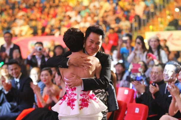 Roger Kwok wins Favourite Actor at Star Awards