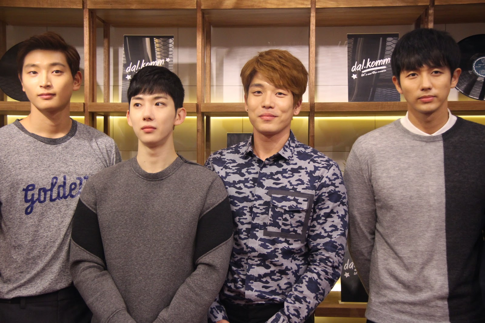 [Photos] 2AM at dal.komm COFFEE Grand Opening