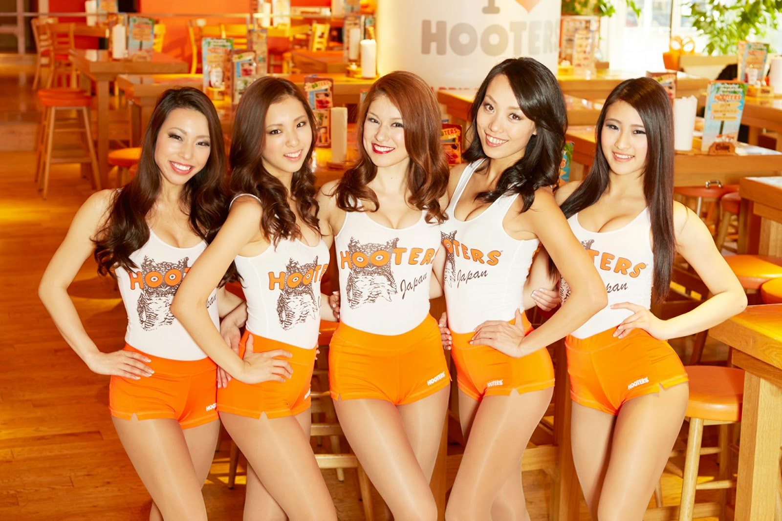 Hooters Japan Sexy Asian Girls
