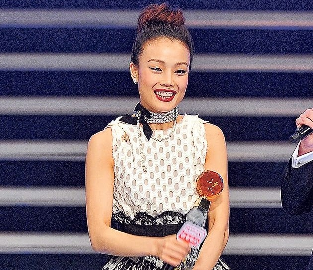 Joey Yung wins Most Outstanding Female Singer