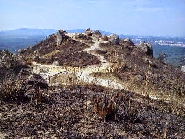 Broga Hill's hilltop greenery wiped out by fire