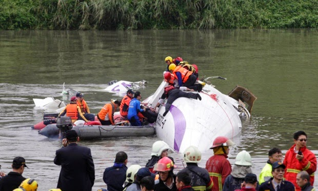 Stars pray for safe rescue of TransAsia Airways' victims