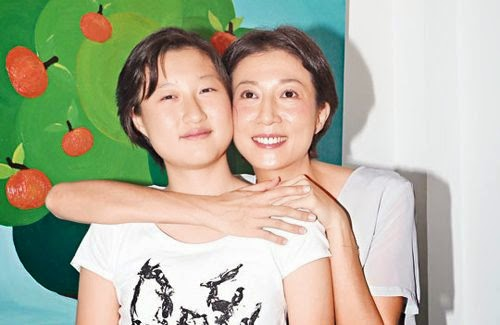 Jackie Chan the root of Elaine-Etta conflict?