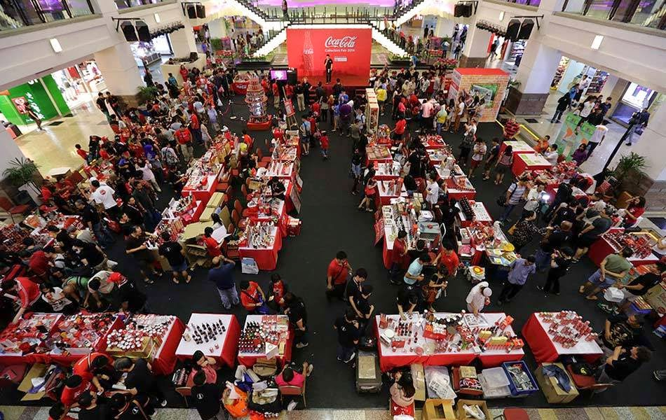 Get customised can at Coca-Cola Collectors Fair 2015
