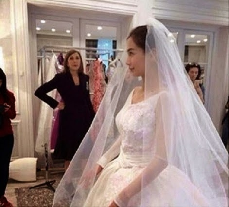 Internet user posted photo of Angelababy's wedding dress