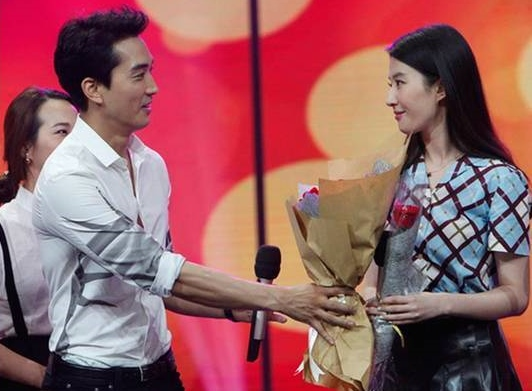 Song Seung-heon and Crystal Liu make public appearance