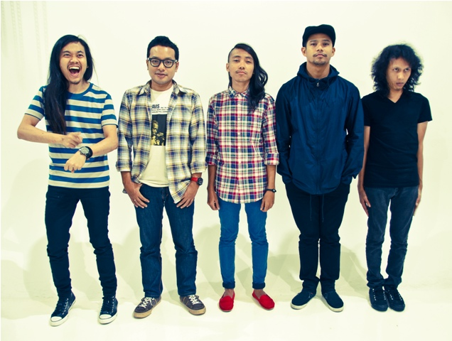 Hujan celebrates 10 years in music scene with a concert