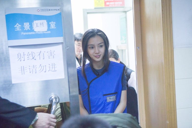 Specialist confirms Angelababy is plastic surgery free
