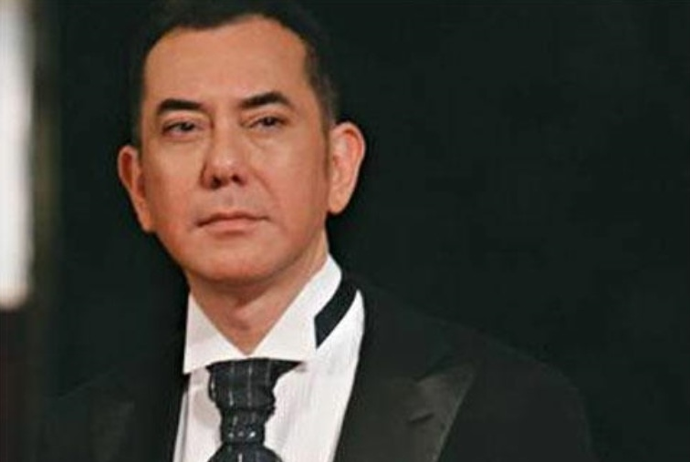 Anthony Wong: It's your job to be good in Mandarin!