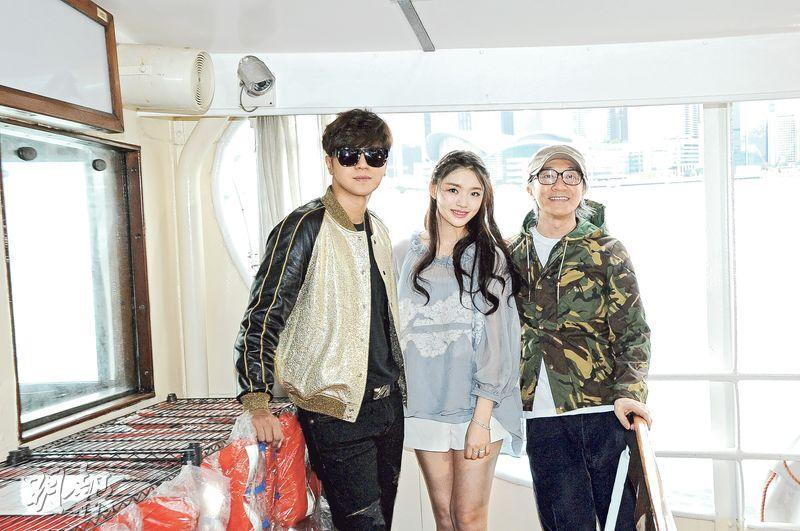 Stephen Chow treats fans to a free ferry ride