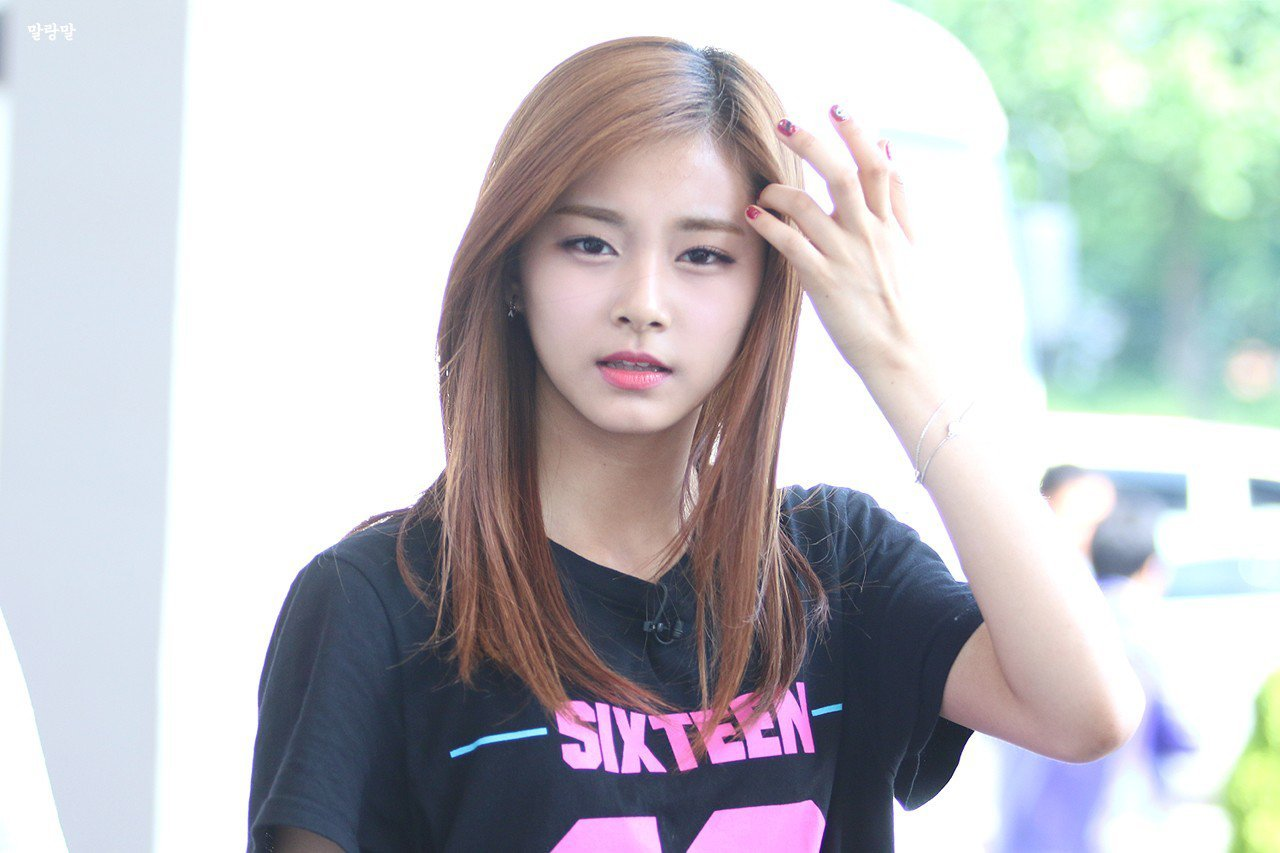 JYP cancels Tzuyu's activities in China