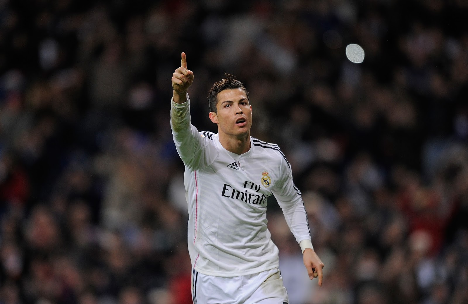 Cristiano Ronaldo is the first athlete with 200M followers