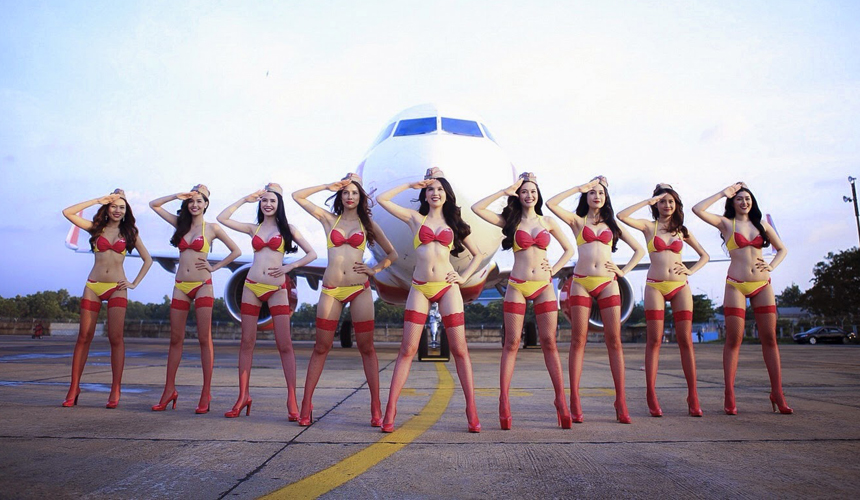 Bikini-clad VietJet aims to be top budget airline in Asia