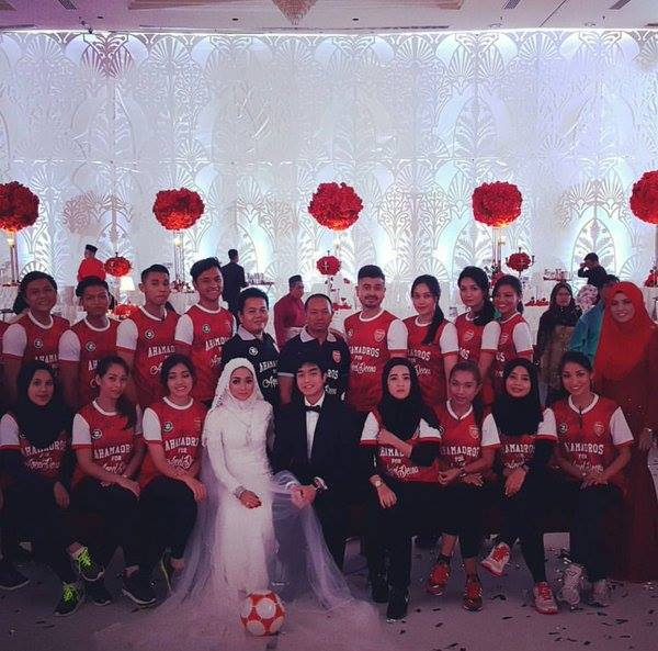 Arsenal-themed wedding in Malaysia goes viral
