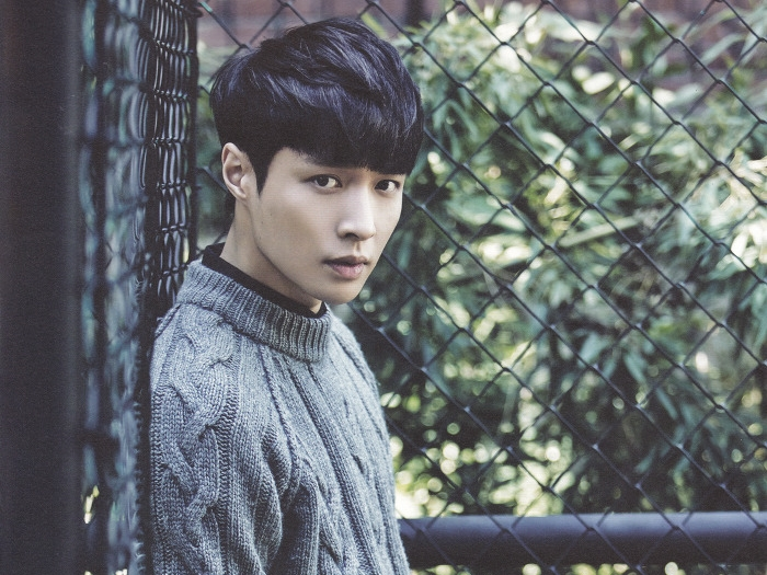 EXO's Lay collapsed while filming variety show