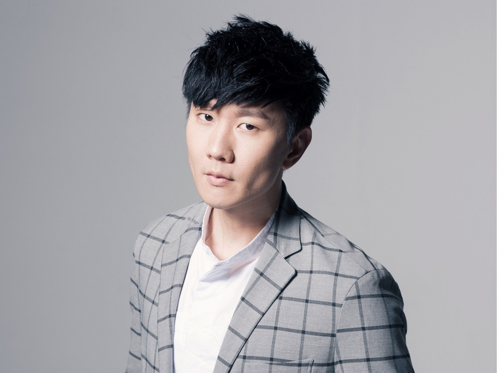 JJ Lin denies confirming romance with Kaohsiung Beauty