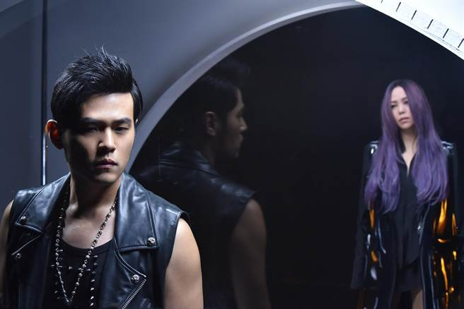 Jay Chou and A-Mei's song released a day early