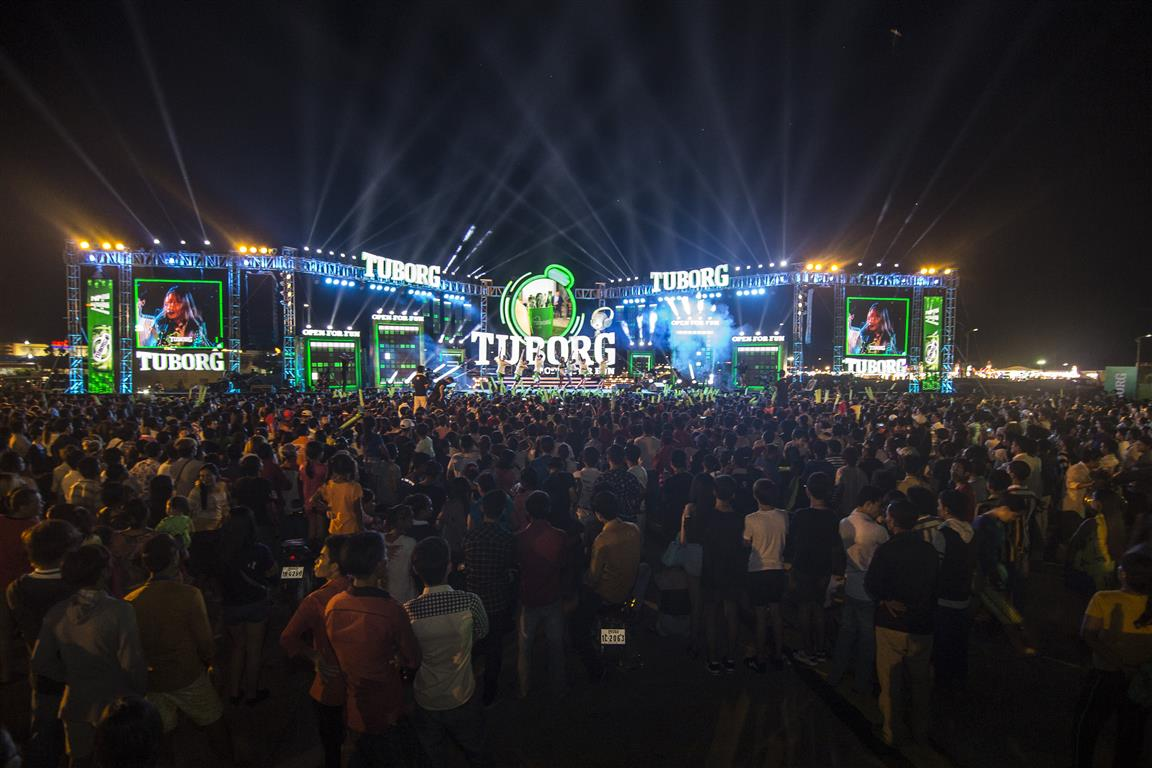 """4,000 party-goers at """"Tuborg – Open for Fun"""" concert"""