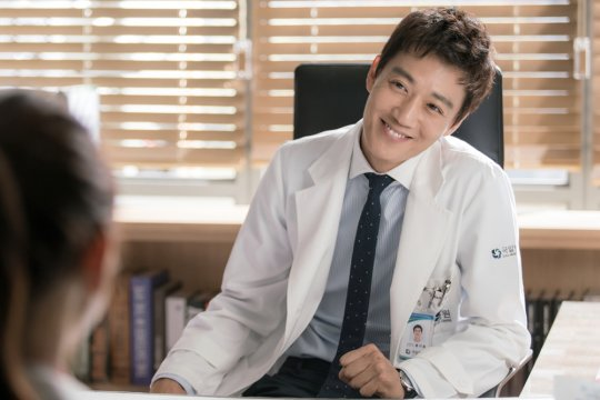 """Doctors"" star Kim Rae Won to meet fans in Malaysia"