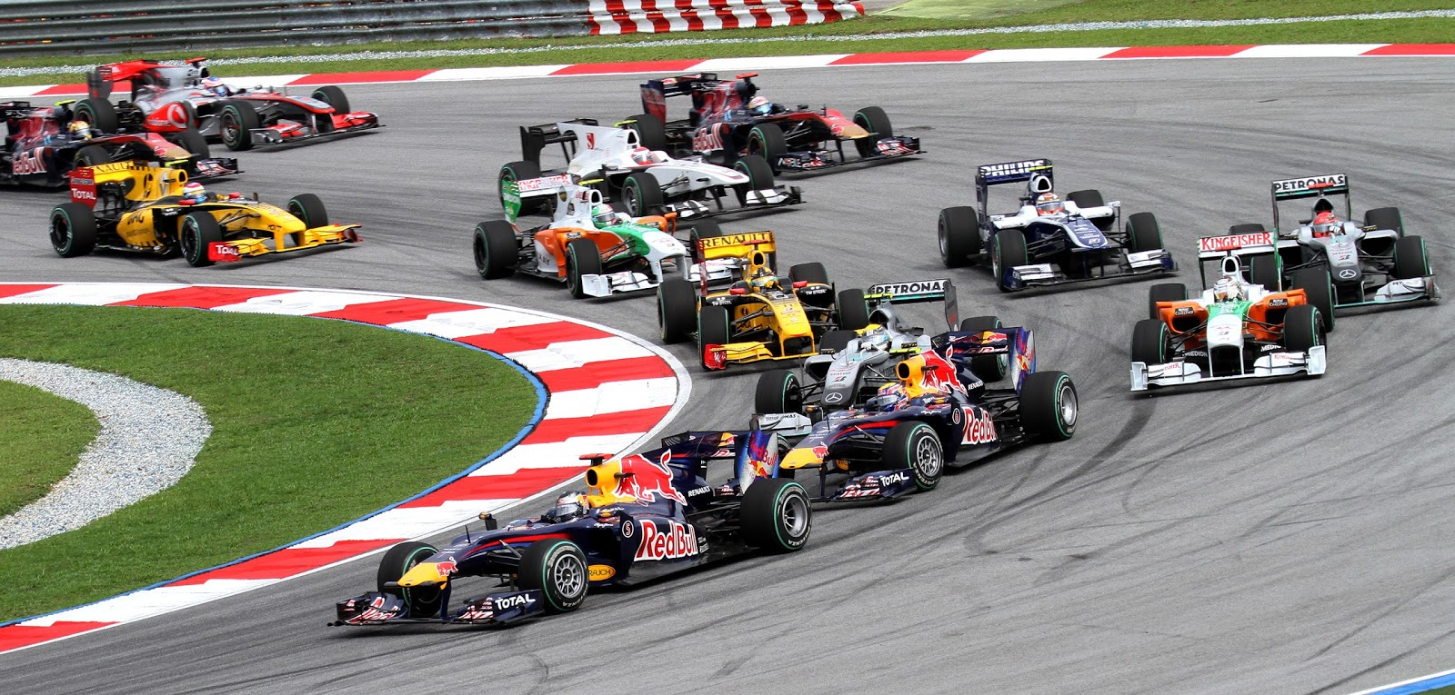 Malaysia ends F1 race for good, Singapore in negotiations