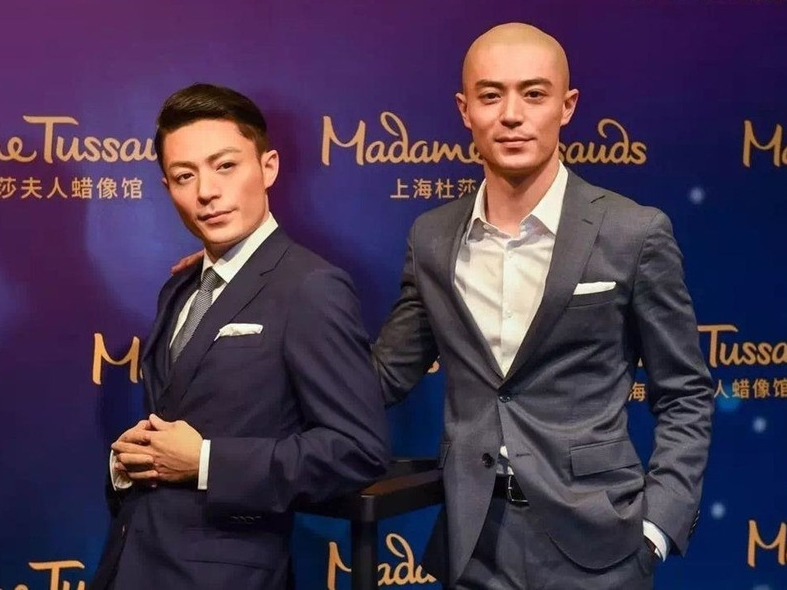 Wallace Huo in awe with details of his wax figure