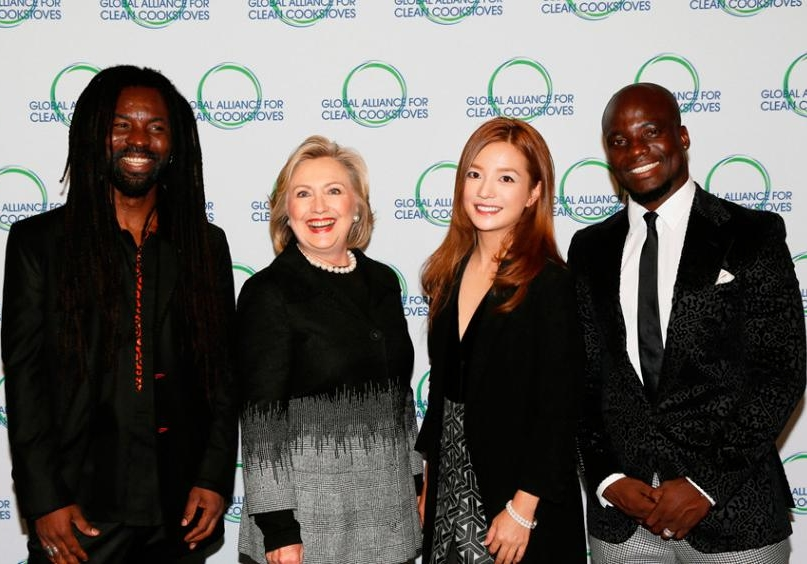 Zhao Wei denies donating to Clinton's presidential campaign