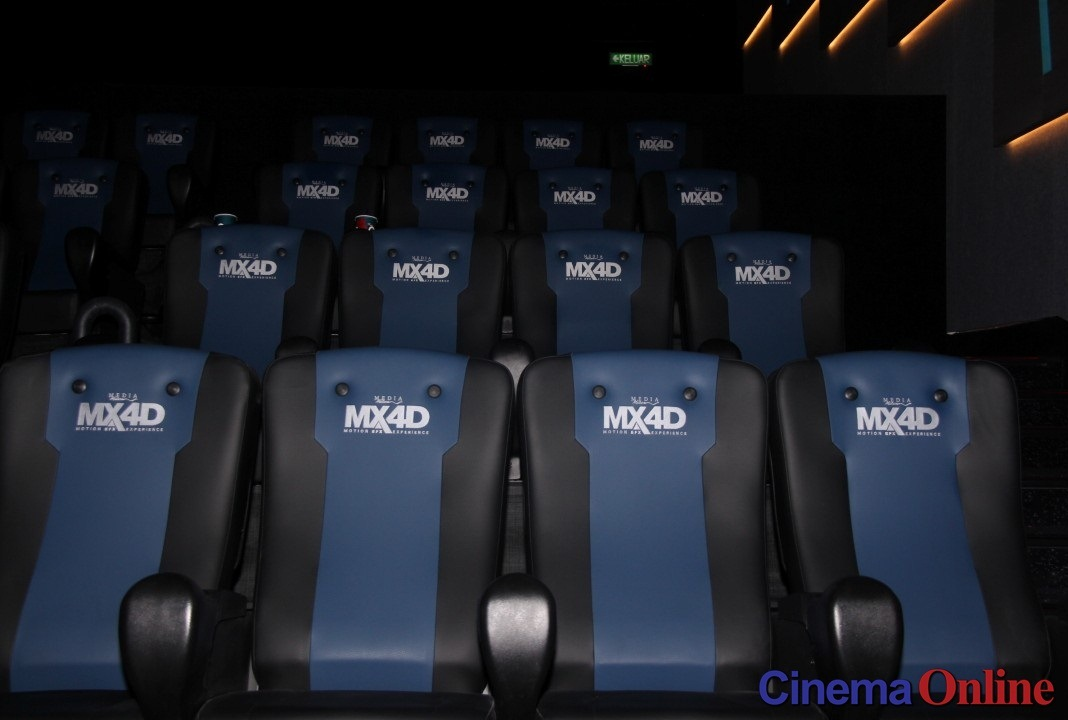 """Reviewing the new MX4D seats with """"Fast And Furious 8"""""""