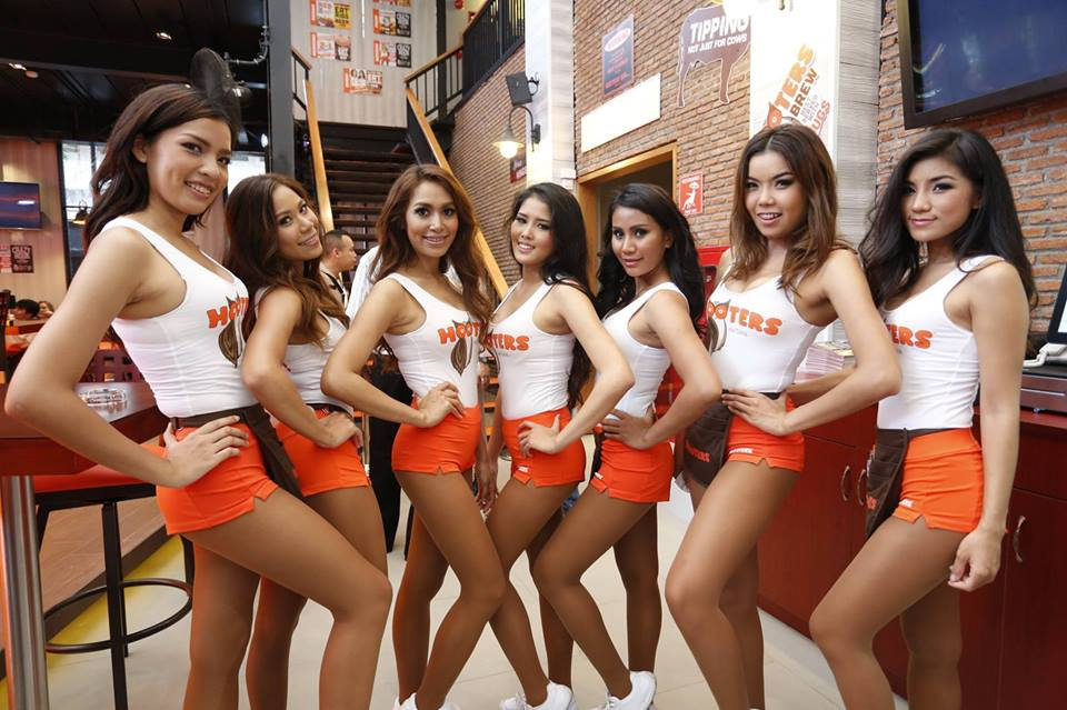 Waitress in Hooters Jakarta to dress appropriately during Ramadan