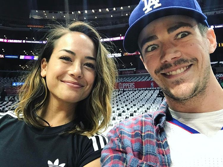 """""""The Flash"""" star gets engaged to Sabahan girl"""