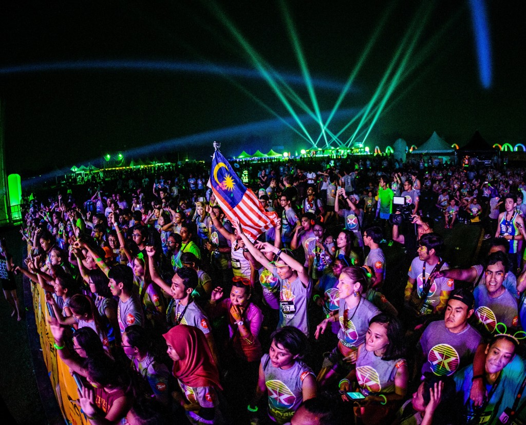 Electric Run Malaysia 2015 AIA 9476 Photo by All Is Amazing min 1024x827 1