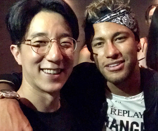 Neymar gets excited over FaceTime with Jackie Chan