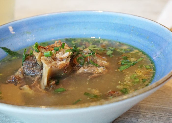 chef wans kitchen oxtail soup
