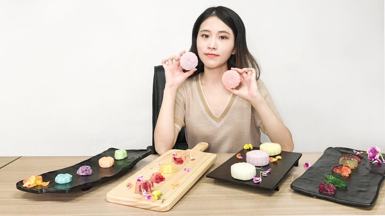 Meet China's Office Chef, Ms Yeah in Singapore this month