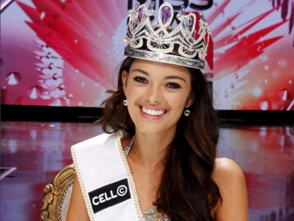 Miss South Africa crowned winner of Miss Universe 2017