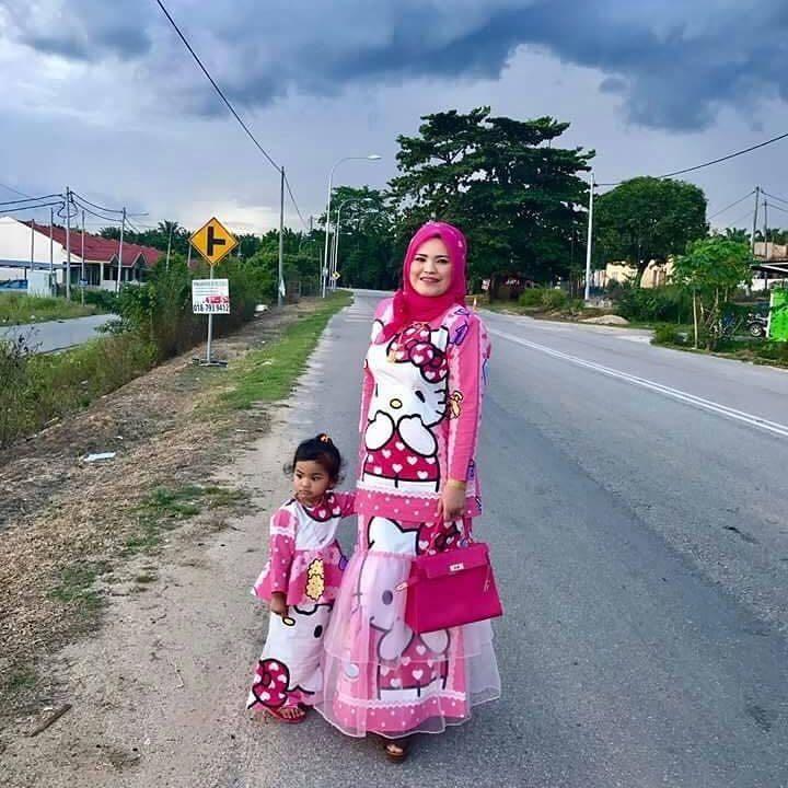 Hello Kitty baju kurung sold for RM50,000! Is it worth it?