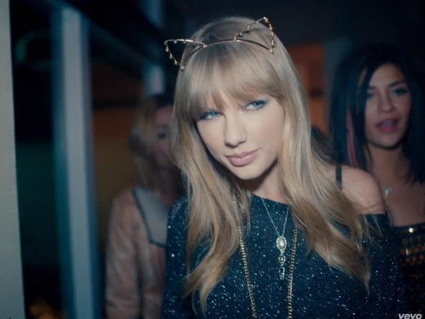 Taylor Swift lands her first lead acting role in a musical movie