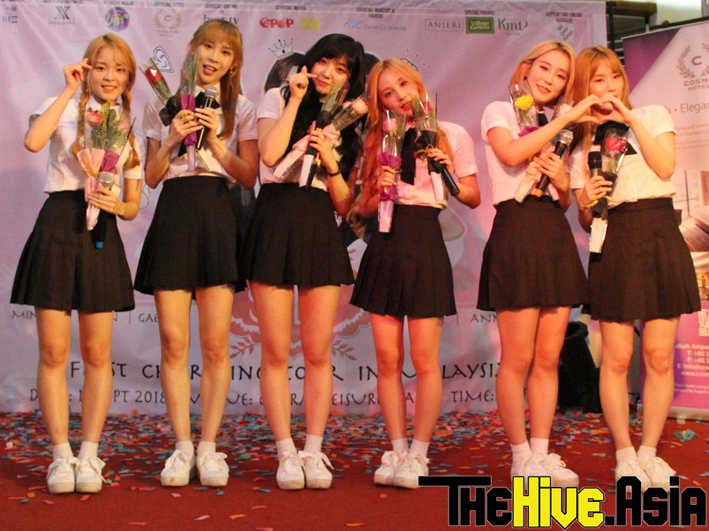 S.I.S cutely covers TWICE songs during first KL tour