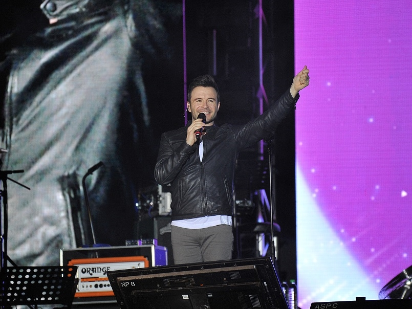 Shane brings back the nostalgia with Westlife hits at lakeside concert