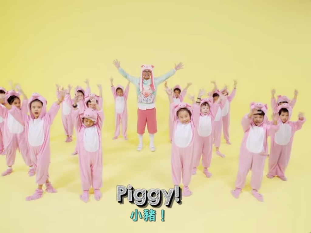 Namewee celebrates the Pig Year with adorable (but offensive?) song