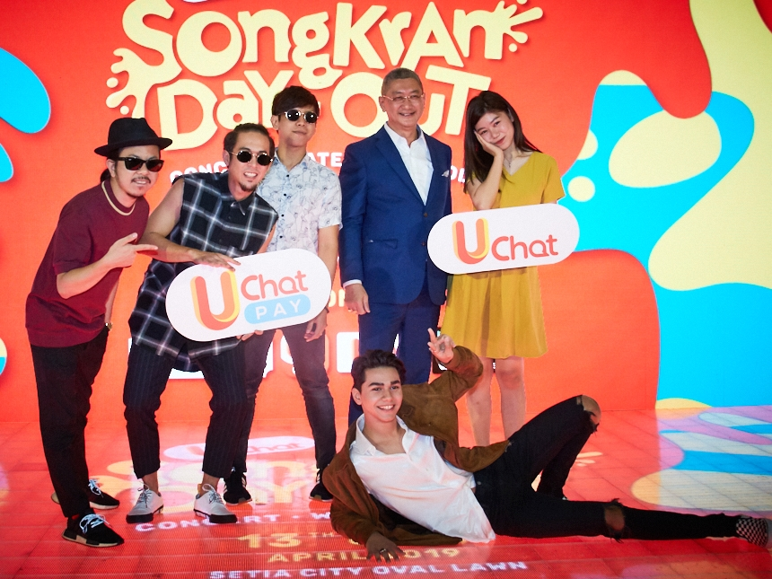 Elizabeth Tan, Bunkface, Chung Ha and more for UChat Songkran Day-Out!