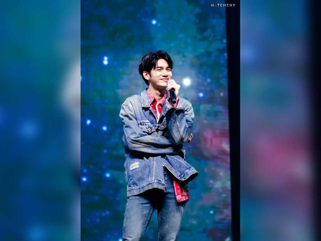 Ong Seong Wu 'catches stars' for fans at first KL solo fan meet