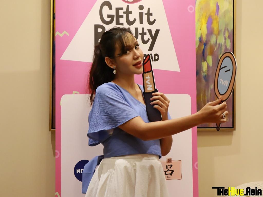 Nadiyah Shahab learns K-beauty tips for Hari Raya