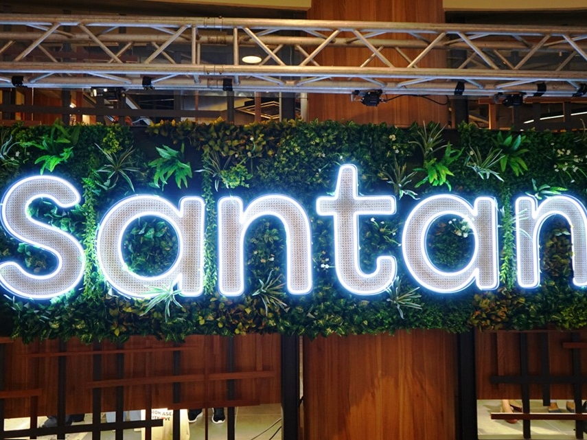 AirAsia's in-flight meals are now available at first ever Santan restaurant