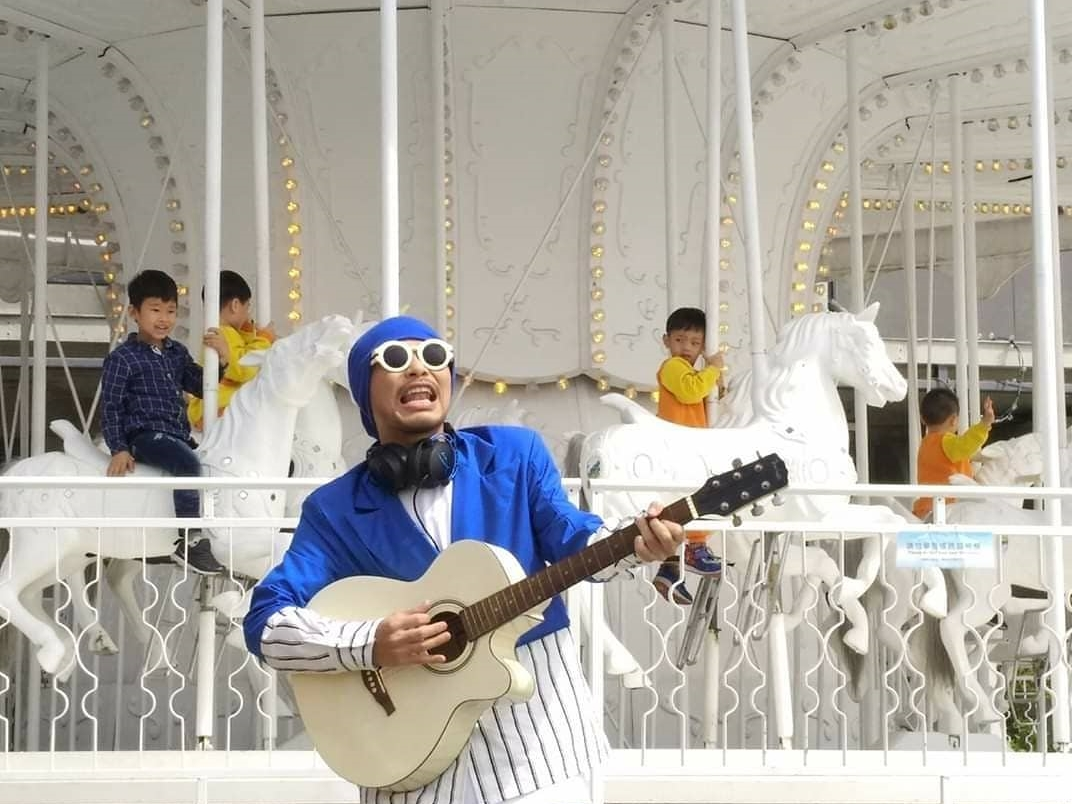 """Namewee to release rap cover of Beyond's """"Hoi Fut Tin Hung"""""""