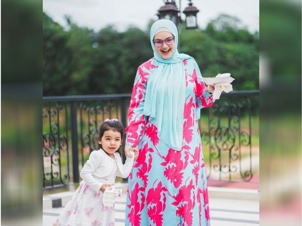Siti Nurhaliza, Ebit Lew send help to Pahang flood victims
