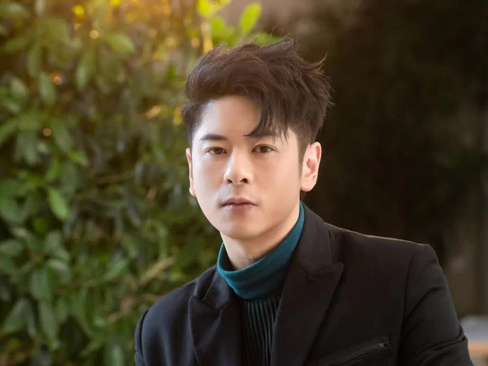 Alfred Hui confirms departure from Warner Music